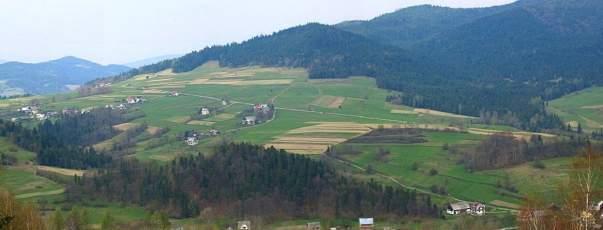 Dom w małej górskiej miejscowości Jurków